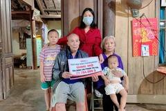 Trao hơn 77 triệu đồng tới anh Phạm Thế Hữu bị vỡ sọ não