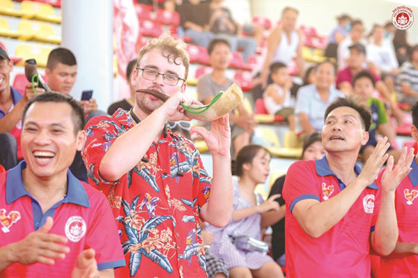 Falling in love with football,Vietnamese football,PVF academy
