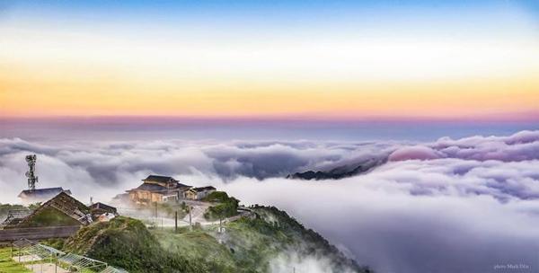 Đi chơi cuối tuần gần nhà: Thưởng thức mây trắng nắng lạnh trên đỉnh Mẫu Sơn