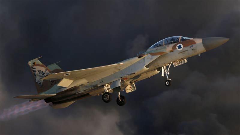 Chiến cơ Israel bắn phá một loạt cơ sở quân sự ở Syria