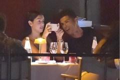 Ronaldo hẹn hò lãng mạn cùng bạn gái bốc lửa