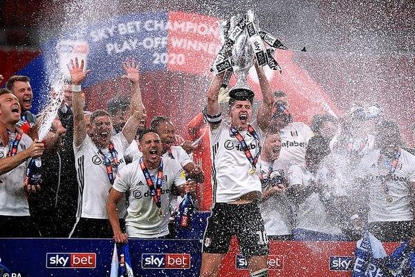 Xác định đội bóng cuối cùng dự Premier League 2020-21