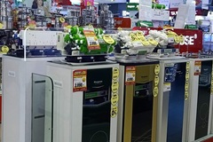 Vợ chồng trẻ 'nhận quả đắng' khi ôm tiền mua hàng điện máy trưng bày, chuyên gia nói gì?