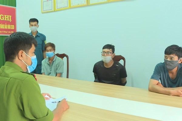 Nhóm nghiện 'sa chốt' kiểm soát dịch Covid-19ở Đắk Lắk