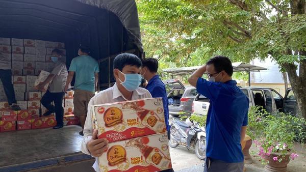 Tặng 36.000 sản phẩm Trà Thanh Nhiệt Dr Thanh ở Quảng Nam