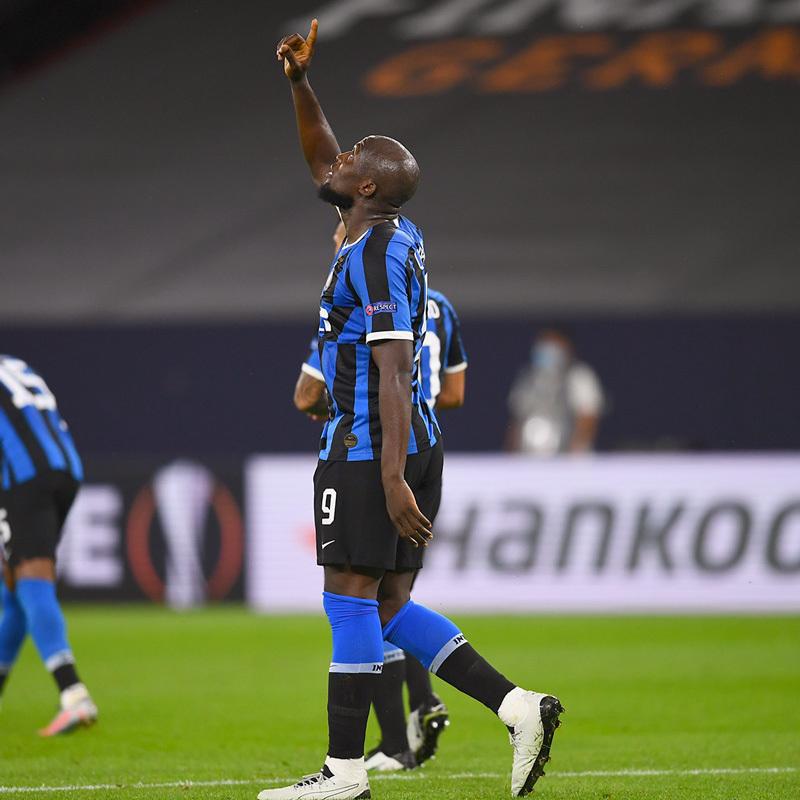 Lukaku rực sáng, Inter đoạt vé tứ kết Europa League