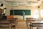 Hà Nội khử khuẩn trường học, chuẩn bị cho kỳ thi tốt nghiệp THPT