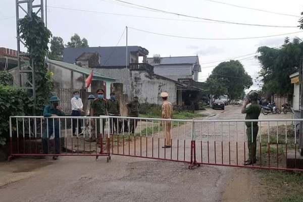 Phong tỏa ngõ nơi bệnh nhân 714 sinh sống ở Hà Nội