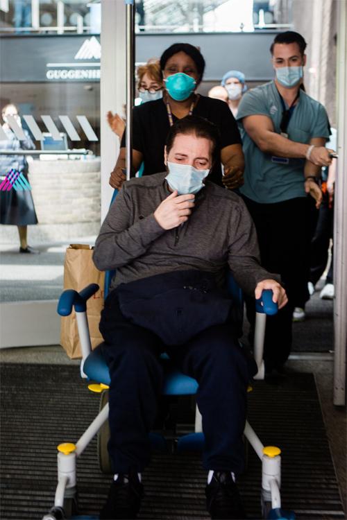 Bệnh nhân triệu đô trong khu chữa trị Covid-19
