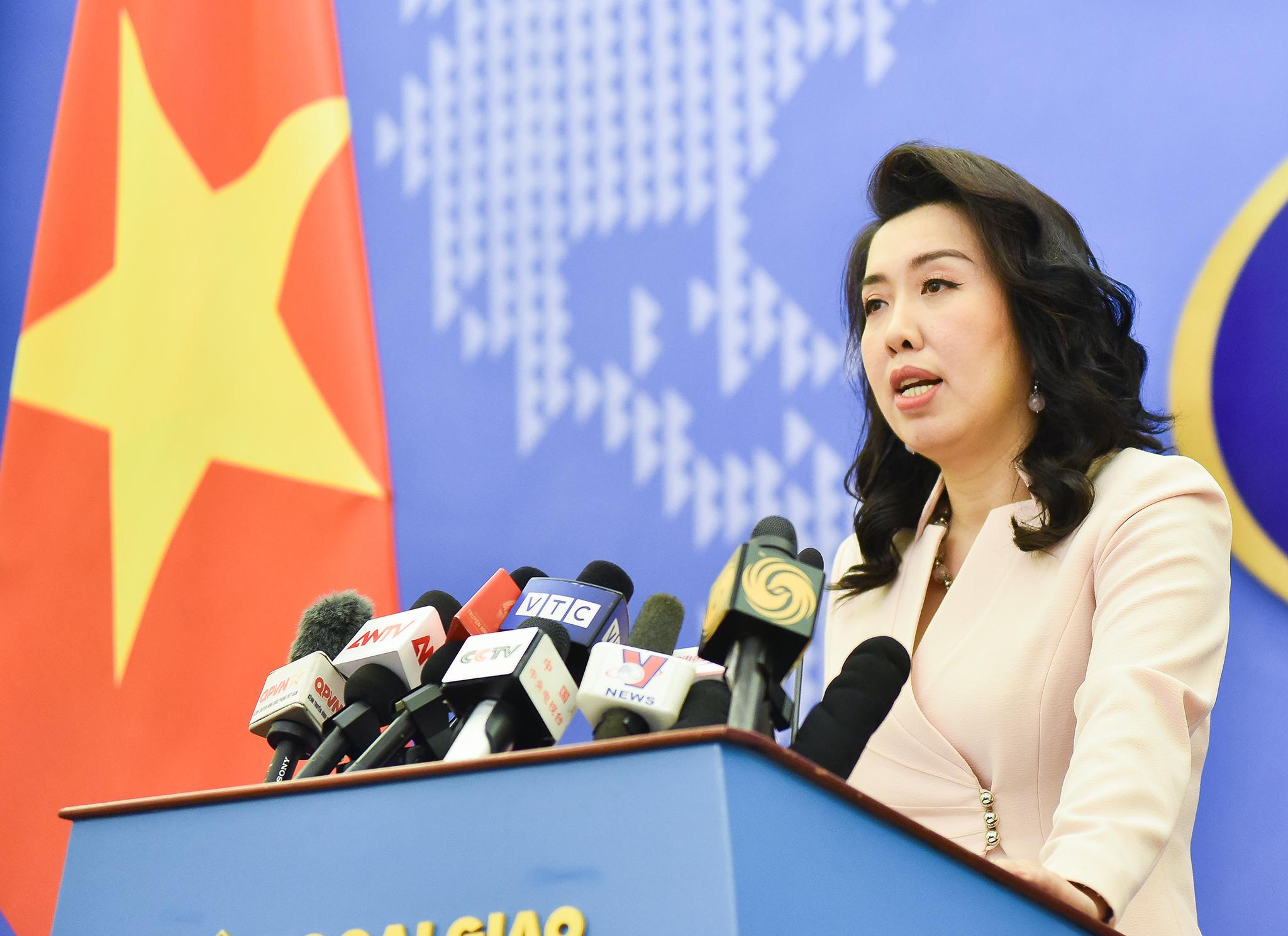 Kiên quyết phản đối Trung Quốc đưa tàu chiến, máy bay ra Trường Sa