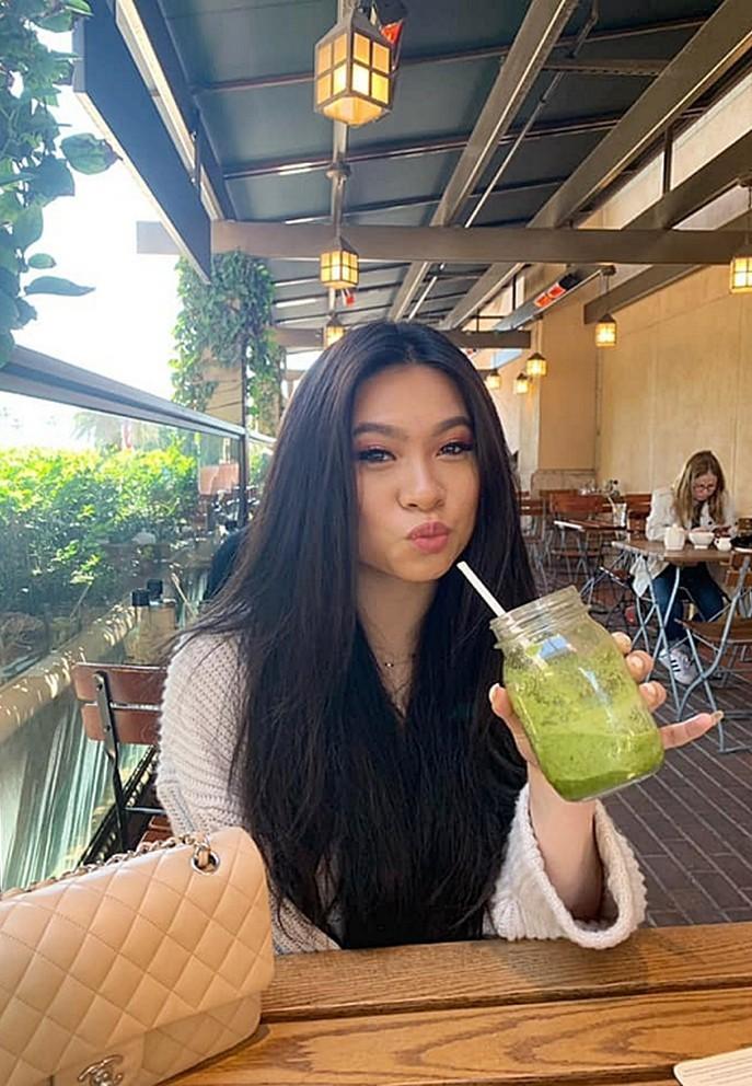 Con gái 18 tuổi kín tiếng của diễn viên Lý Hương