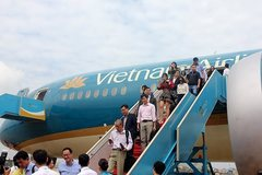 Vietnam Airlines plans to sell nine planes due to financial woes
