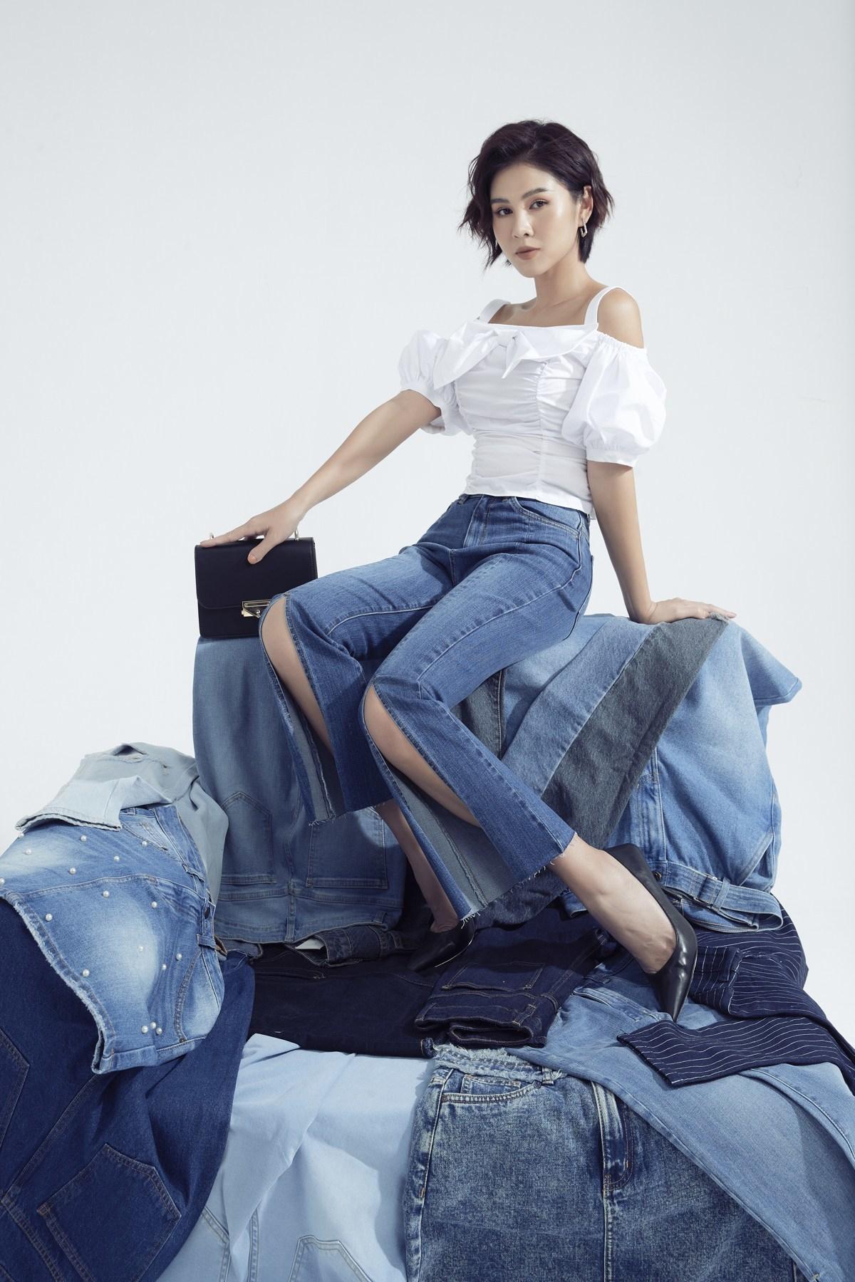 BTV Thu Hoài năng động với set jeans