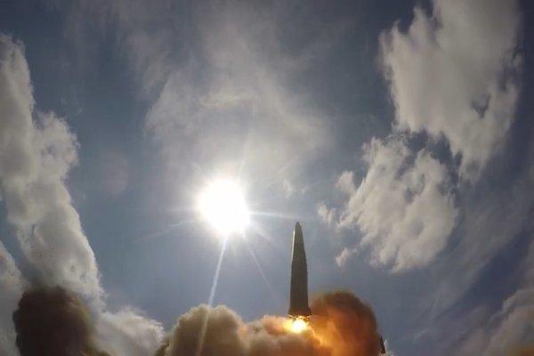 Xem quân đội Nga diễn tập phóng tên lửa đạn đạo Iskander-M - xs chủ nhật
