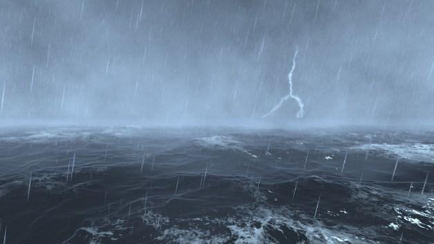 Xuất hiện vùng áp thấp giữa biển Đông, sóng đánh cao 3m