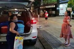 Đội xe phục vụ bà bầu đi sinh miễn phí ở Đà Nẵng