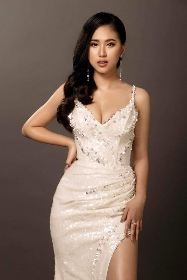 Ngắm thí sinh Hoa hậu Việt Nam đỗ 3 trường đại học ở Mỹ