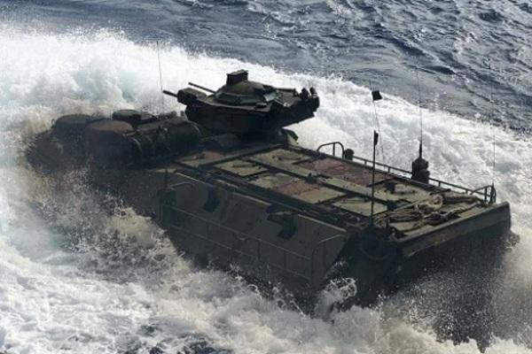 Điều xảy ra trước khi xe bọc thép Mỹ chìm khiến 8 quân nhân chết thảm
