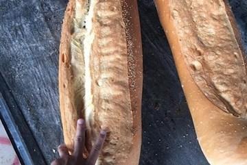 3-kg bread in An Giang among world's weirdest foods