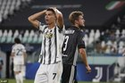Ronaldo lập cú đúp, Juventus vẫn rời Champions League