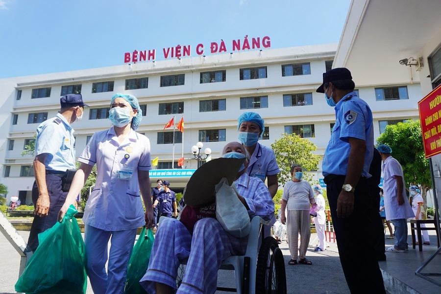 Bệnh viện đầu tiên ở Đà Nẵng dỡ phong toả sau 14 ngày cách ly