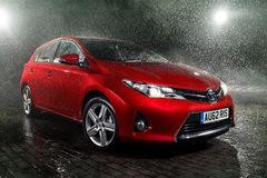 Những phụ kiện ô tô rẻ tiền nhưng hữu ích cho ngày mưa