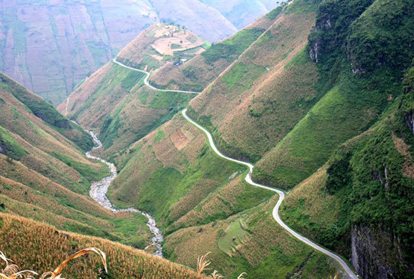 Happiness Road leads to spectacular pass