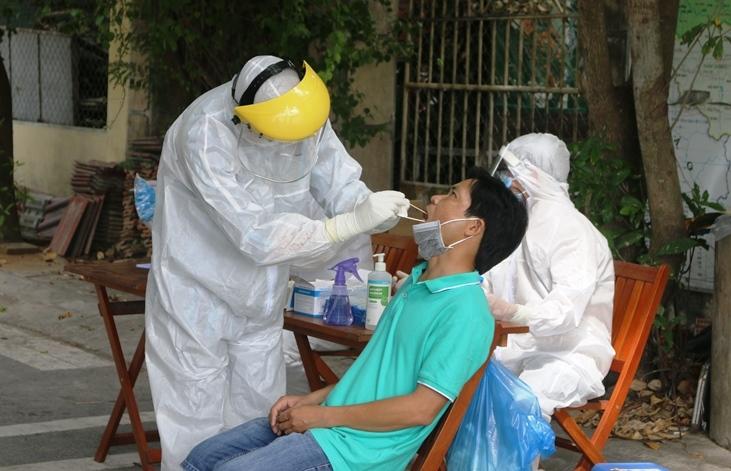 Nam bệnh nhân mắc Covid-19 đi nhiều quán bar tại Đà Nẵng, Hội An