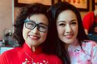 BTV Hoài Anh xinh đẹp bên 'giọng đọc huyền thoại' Kim Tiến