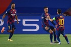 Barca 2-0 Napoli: Messi lập siêu phẩm (H1)