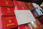 Đang chờ kỉ luật, phó chủ tịch xã đi thi tốt nghiệp với học sinh cấp 3