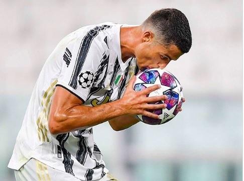 Juventus ra giá bán Ronaldo cho PSG