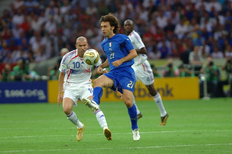 Del Piero: 'Pirlo có thể làm tốt hơn Zidane'