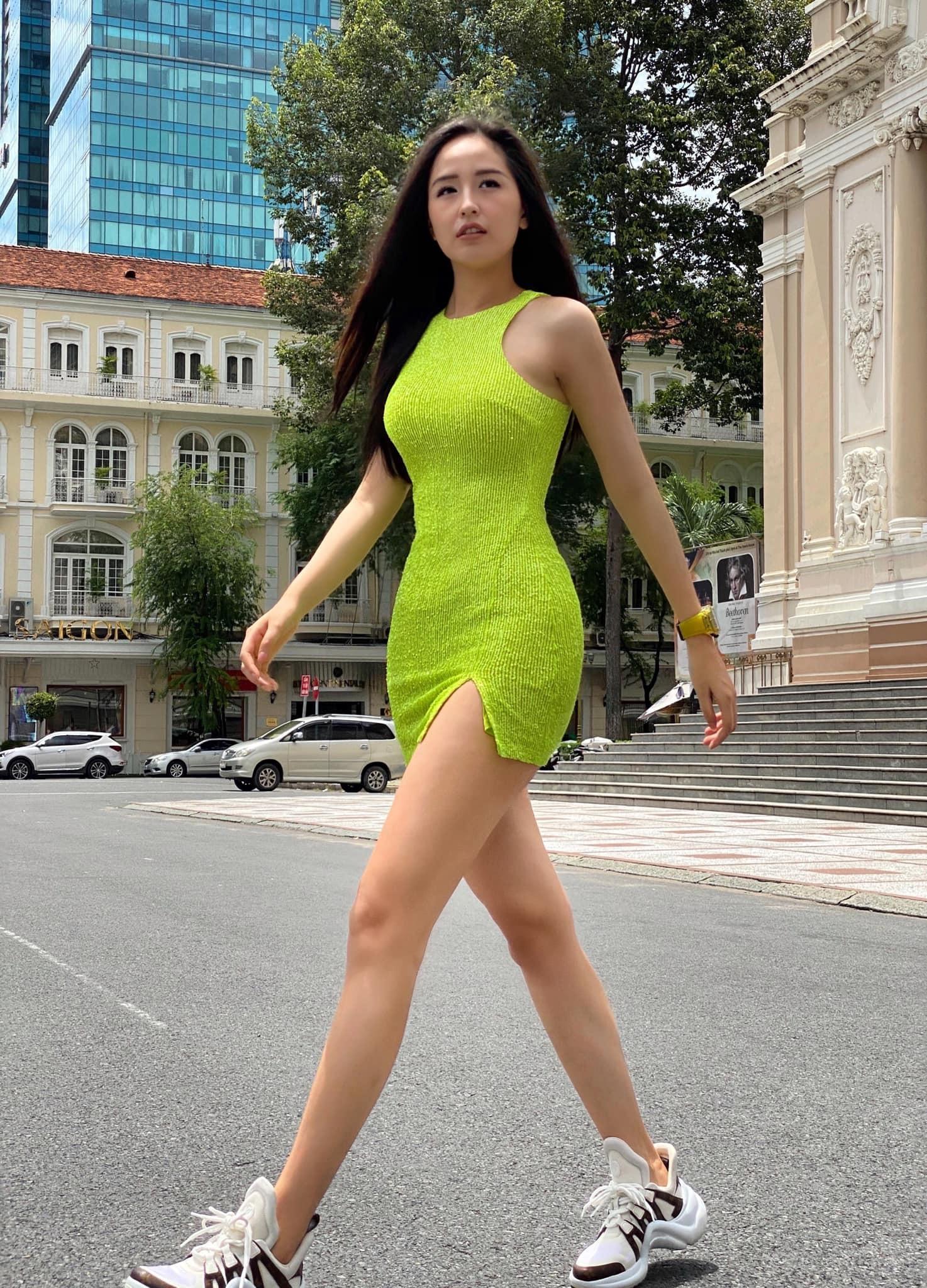 Quỳnh Kool biểu cảm xinh xắn trong hậu trường