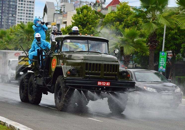 """Nhật ký những """"người lính"""" thông tin giữa tâm dịch Đà Nẵng"""