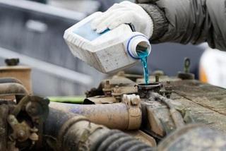 Cách xử lí khi nước xuất hiện trong bình xăng