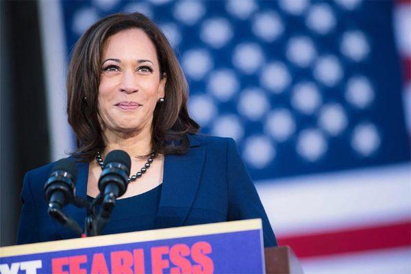 Thách thức đón chờ nữ 'phó tướng' giúp Joe Biden đấu ông Trump