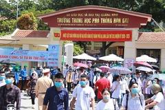 Thiếu đề thi, sĩ tử ở Quảng Ninh phải ngồi chờ gần một tiếng