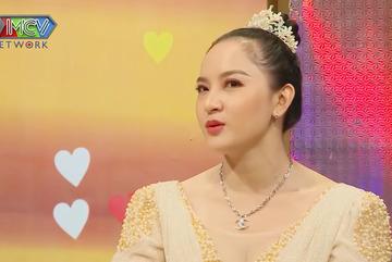 Nghệ sĩ cải lương Trọng Nghĩa tiết lộ hôn nhân với vợ trẻ kém 29 tuổi