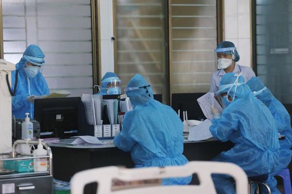 Việt Nam ghi nhận ca Covid-19 thứ 15 tử vong trong đêm