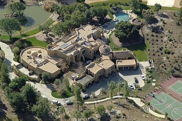 Biệt thự cực kỳ cầu kỳ, lạ mắt trị giá 42 triệu USD của tài tử Will Smith
