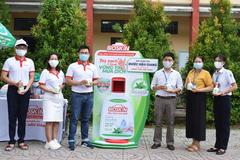 Dược Hậu Giang tài trợ máy rửa tay kháng khuẩn tự động giúp người dân phòng dịch