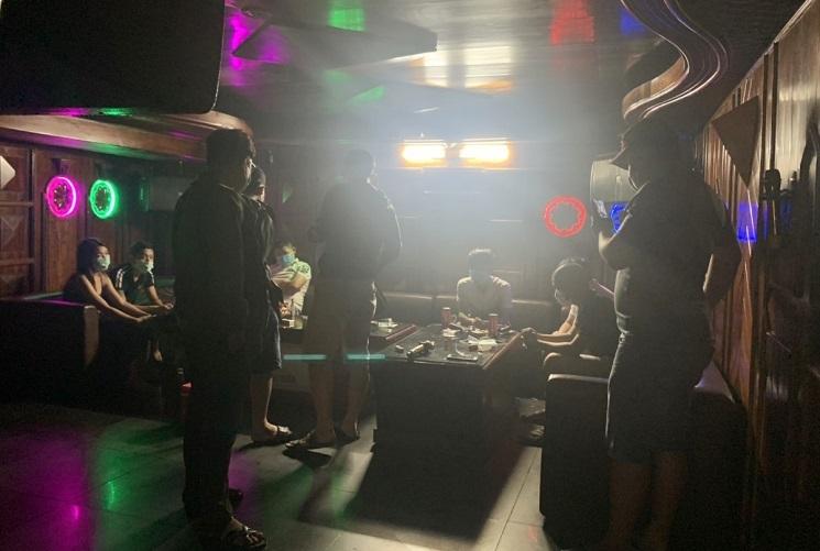 Xóa sổ ổ ma túy trong karaoke Không Gian Xưa ở Đà Nẵng