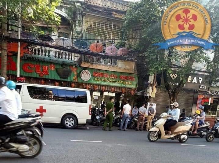 Bệnh nhân 816 tới ăn tối, Hải Phòng phải đóng cửa quán bánh đa cua