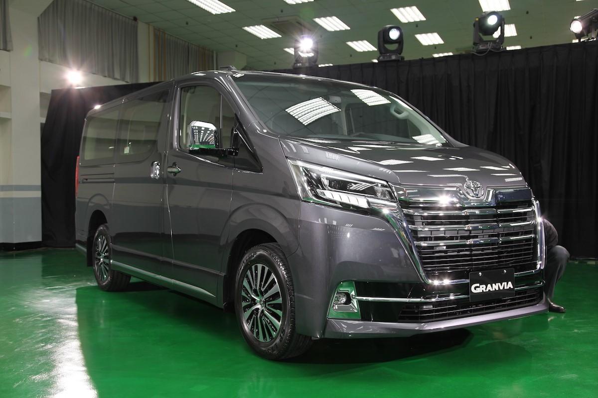 10 ô tô ế ẩm tháng 7: xe Nhật hoán đổi vị trí