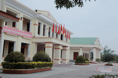 Ha Tinh: big, beautiful office buildings remain unused after commune merger