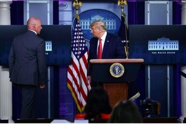 Diễn biến vụ nổ súng gần Nhà Trắng khiến ông Trump phải sơ tán