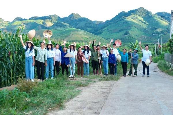 7 học sinh Hà Nội giành giải Vô địch cuộc thi Khởi nghiệp trẻ quốc tế