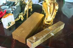 'Nhà ngoại cảm' đúc 27 tấn vàng giả để đi lừa đảo