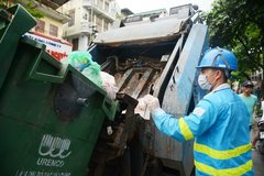 Vietnam warned of failing to implement domestic solid waste treatment plan
